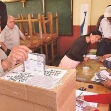 7,3 millones eligen el futuro del país en elecciones cruciales e históricas