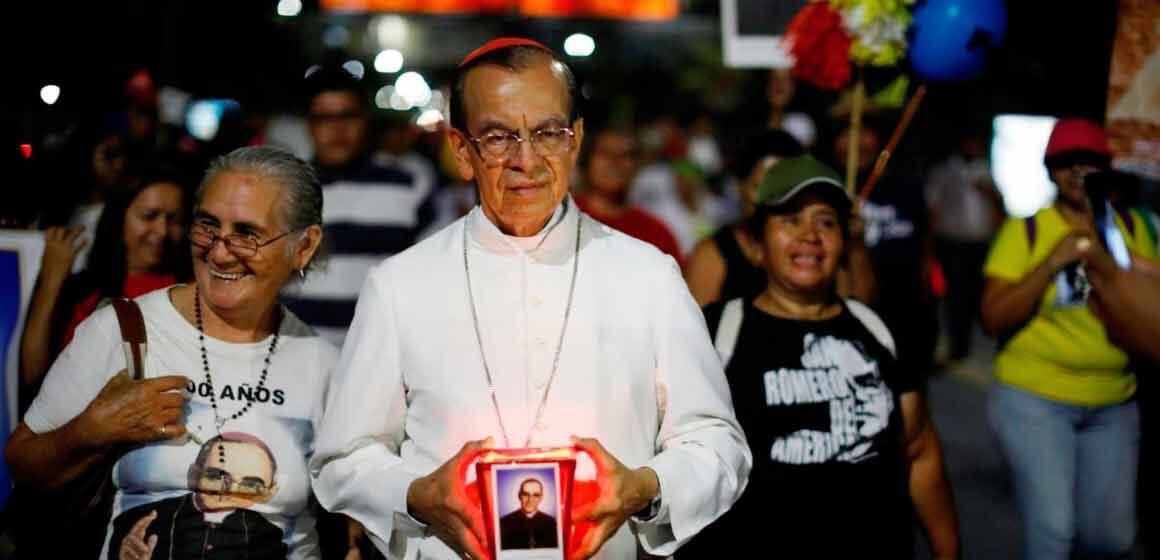 """El Cardenal Rosa Chávez a 41 años del martirio de San Romero: """"Compartiría las mismas prioridades del Papa Francisco"""""""
