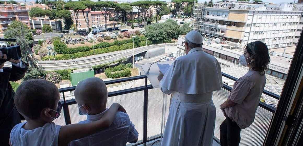 El Papa a la Universidad Católica: «El cuidado es una expresión del corazón»